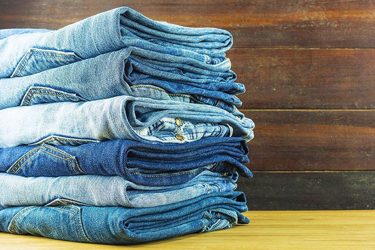A Fashionista's Guide to Wearing Jeans