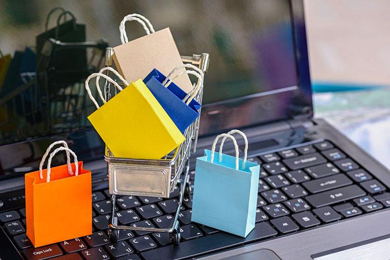 Top Tips For Clothes Shopping Online